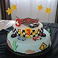 Recette de pâte à sucre maison et déco de gâteau d'anniversaire