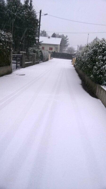 La neige est la