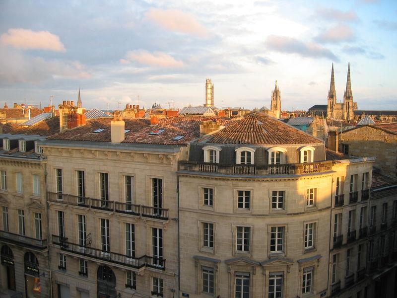 Bordeaux_vu_de_la_chambre_401_sous_les_toits__HOTEL_CLEMENCEAU