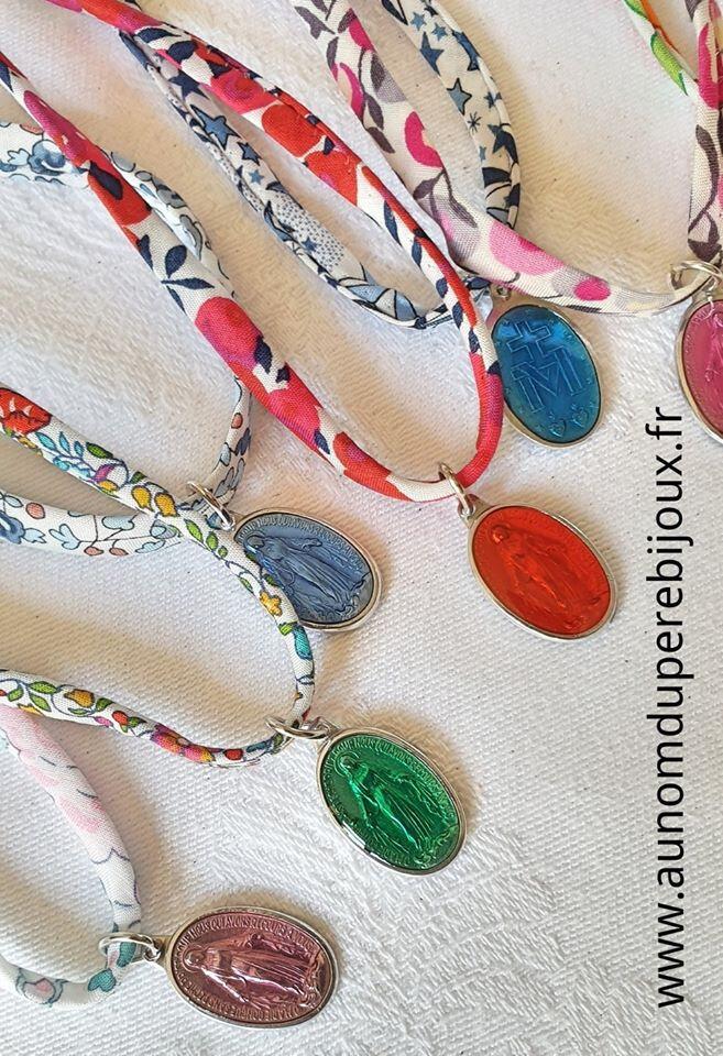 Colliers médaille miraculeuse émaillée - 13 € sur cordon Liberty au choix ou lacet de coton