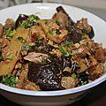Porc caramélisé aux champignons noirs et pousses de bambou