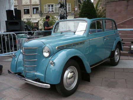 MOSKVITCH_M401_d_couvrable_1950_Mulhouse__1_