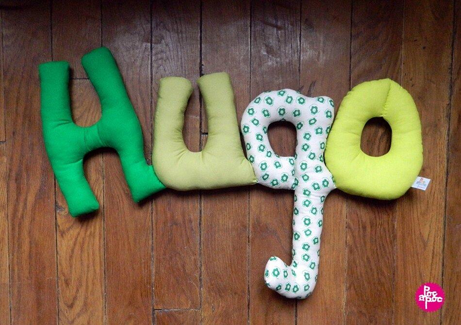 hugo 2,mot en tissu,mot decoratif,cadeau de naissance,decoration chambre d'enfant,cadeau personnalise,cadeau original,poc a poc blog