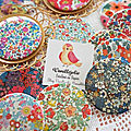 Badges, miroirs de poche et magnets en tissu liberty