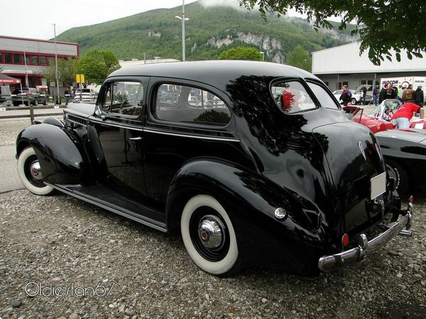 packard 120 2door sedan 1940 b
