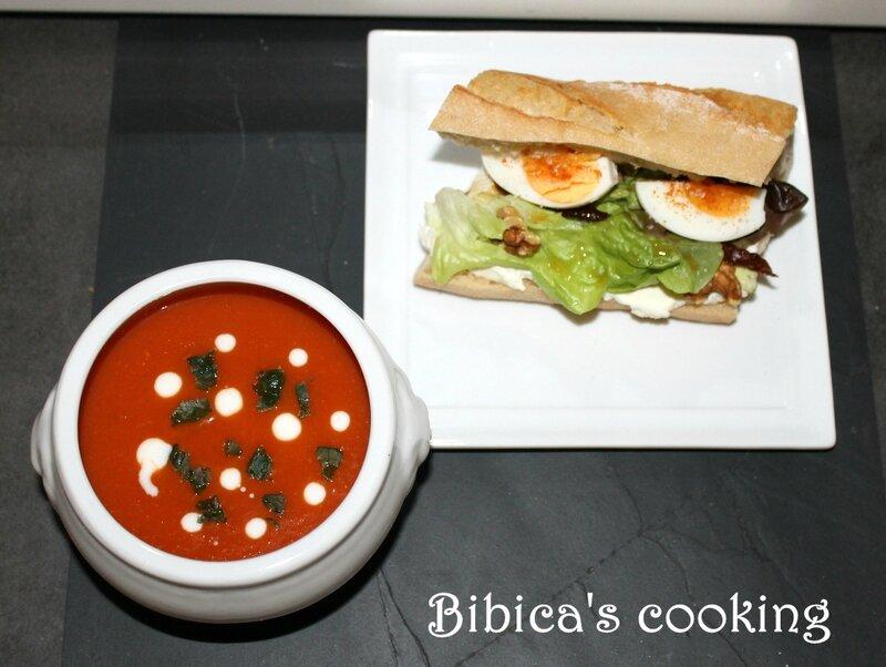 Sandwich gourmand au fromage italien et noix et Velouté épicé, tomates & patates douces