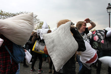 6_Pillow_fight_12_4263