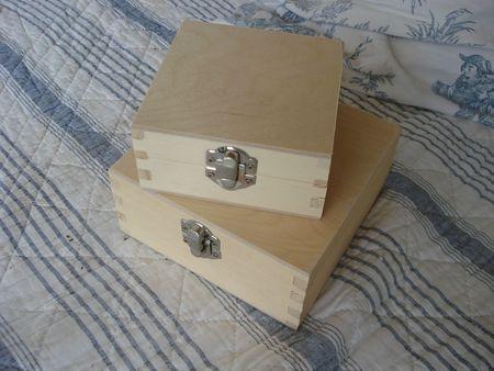 2 petites boîtes en bois (2)