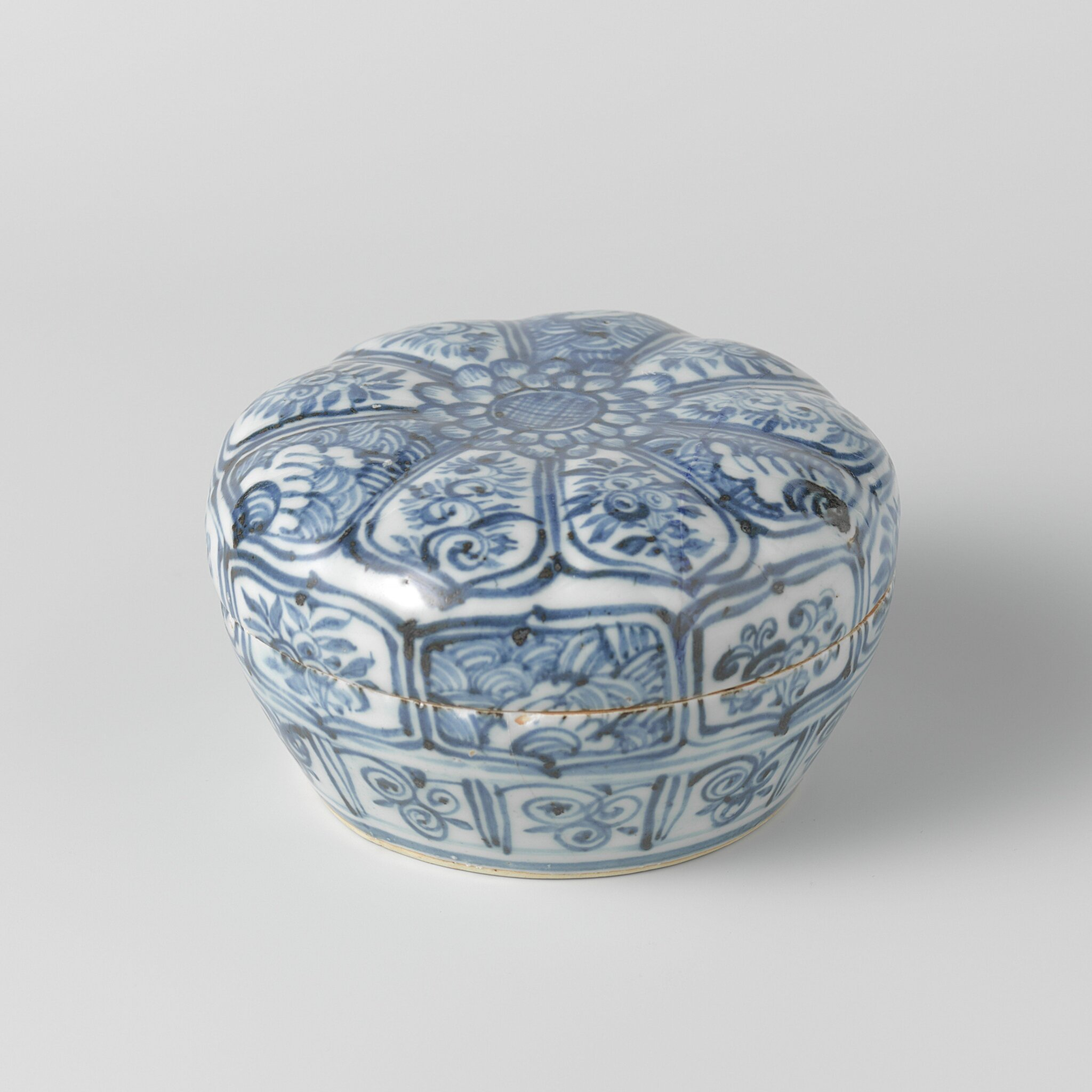 Covered box, Jingtai period, c