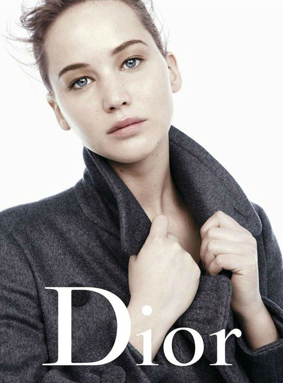 Jennifer-Lawrence-pour-Christian-Dior1-tt-width-550-height-745-bgcolor-FFFFFF