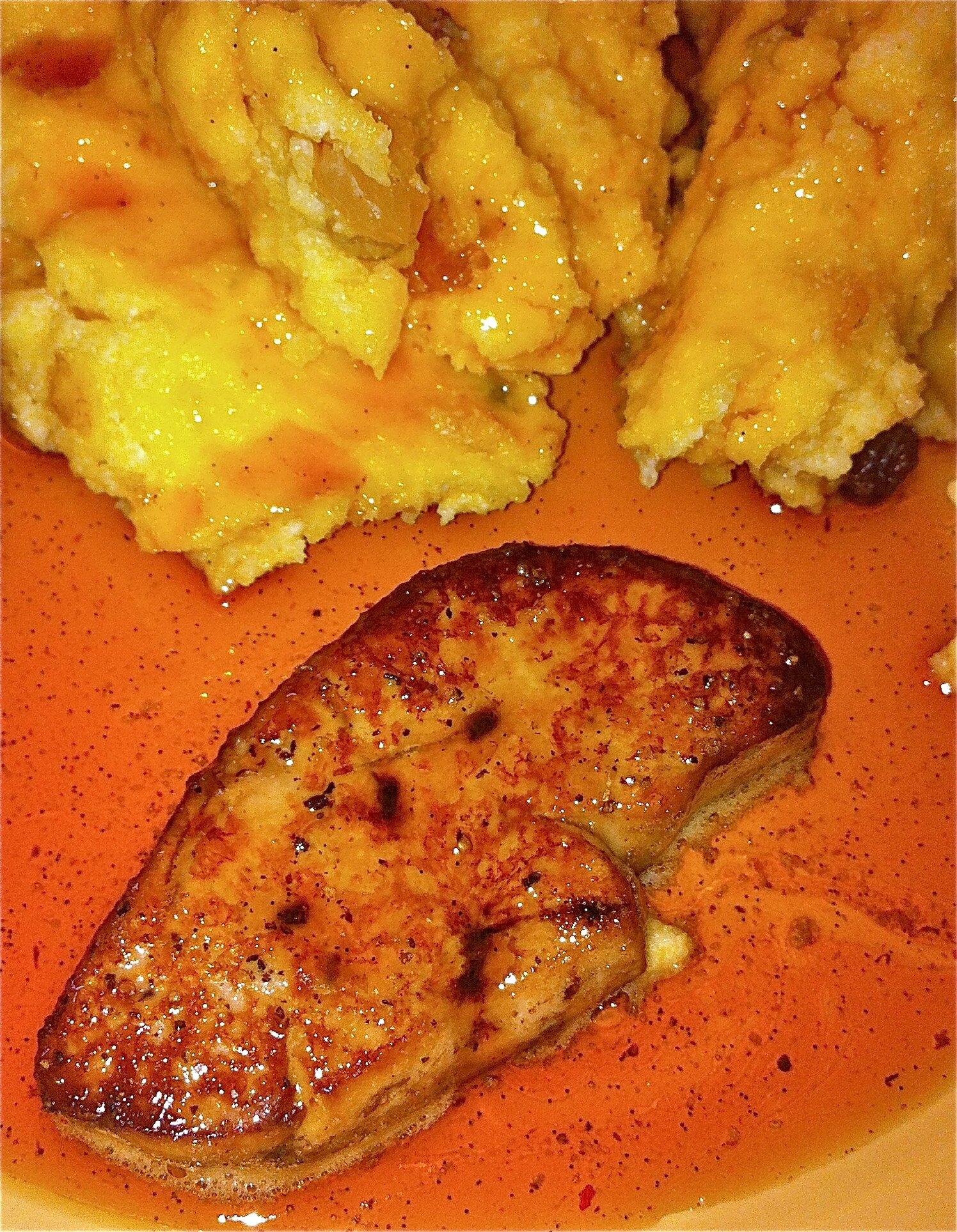 escalope de foie gras-polenta aux fruits secs-jus caramélisé aux épices