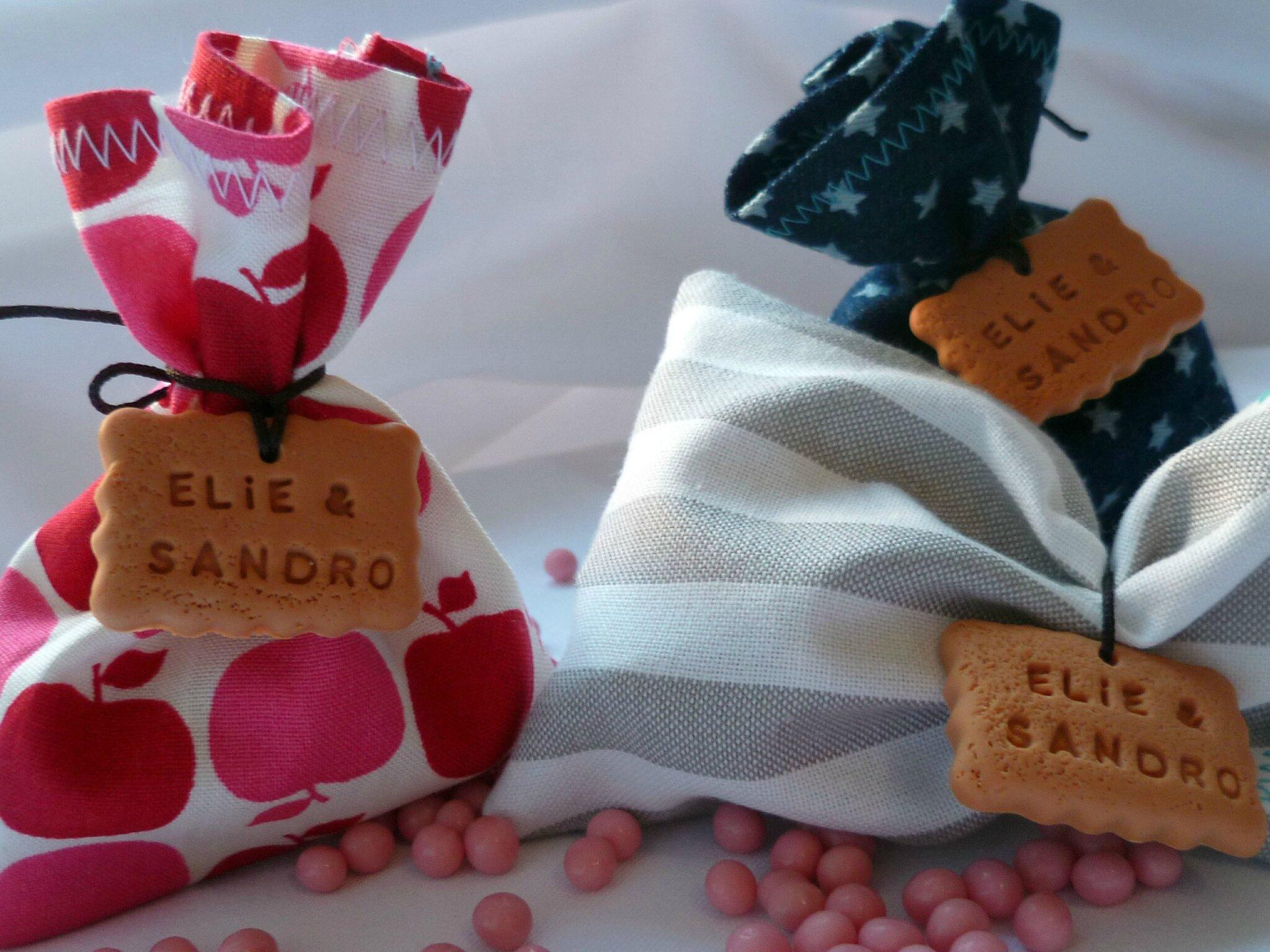 Sachet Tissu Dragées sachet de dragées en tissus, avec biscuit personnalisé, créé sur