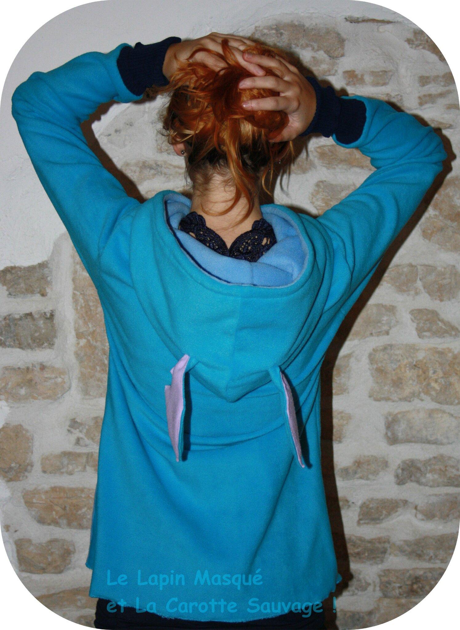 Pull d'inspiration Stitch, Le Lapin Masqué et La Carotte Sauvage (3)