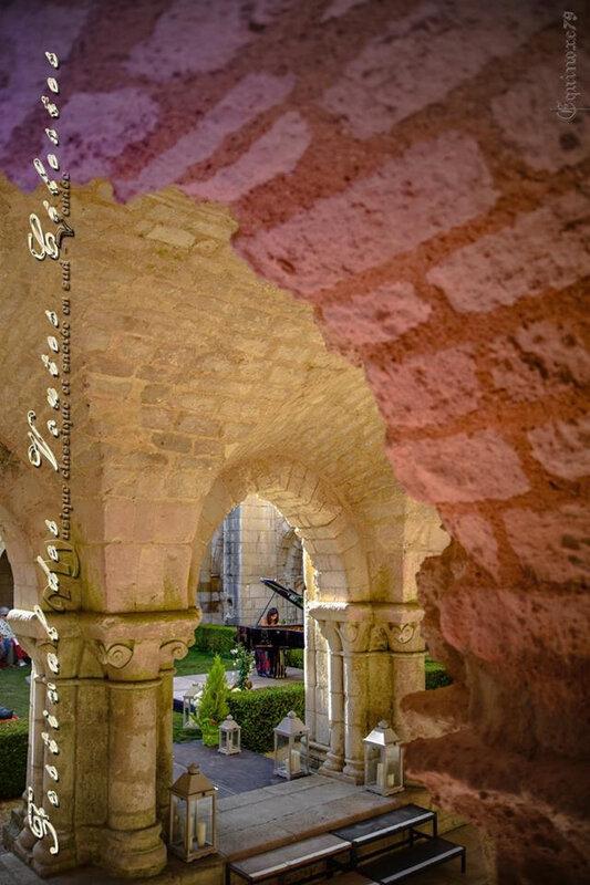 Festival des Voûtes Célestes, Soirée Pianos au cloître à l'abbaye de Nieul sur L'Autize (3)