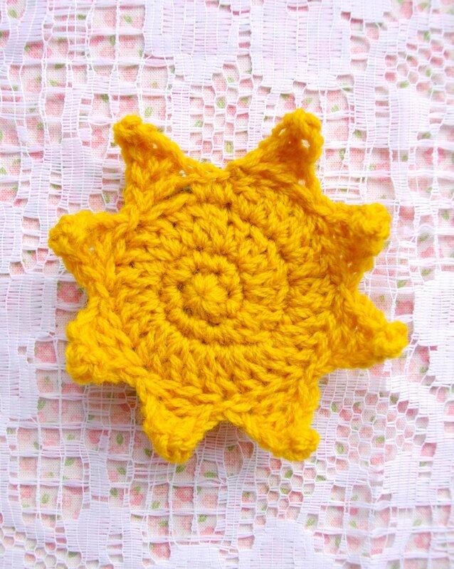 broche-crochet-soleil