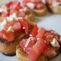 Bruschettas tomate-feta