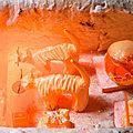 Raku : céramiques en cours de cuisson