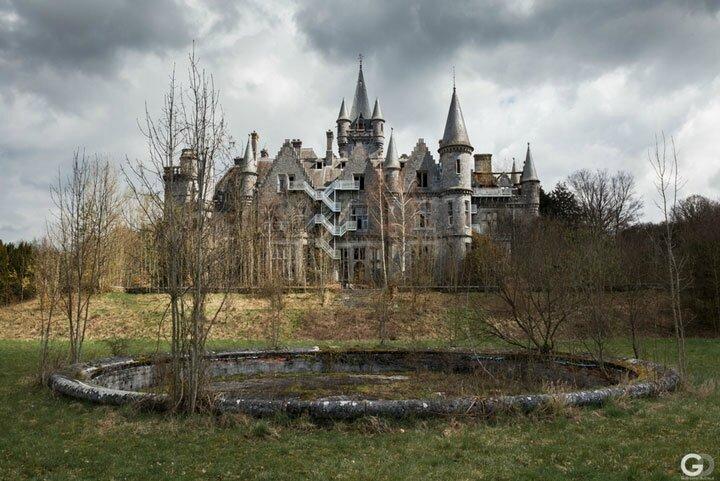 penetrez-dans-lantre-dun-chateau-abandonne-a-travers-de-fascinants-cliches010