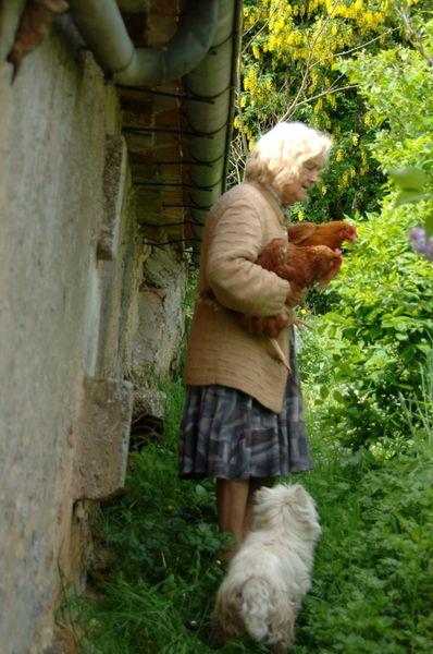 GERMAINE et poules Avril 09 (14)web