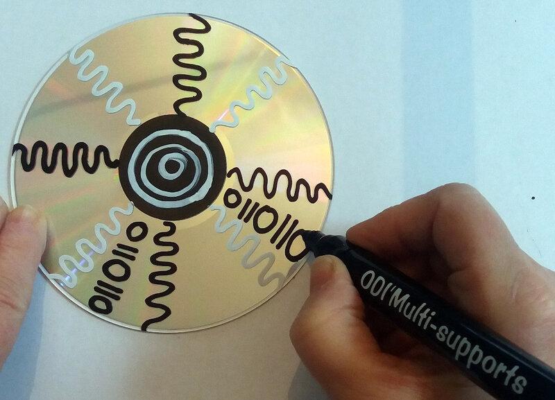 316-Noir et blanc-Graphisme sur CD (27)