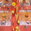 Table jaune orange en feutrine