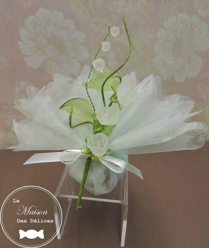 piquet fleur rose verre decoration tulle pochon ballotin dragees mariage bapteme accessoire sujet deco