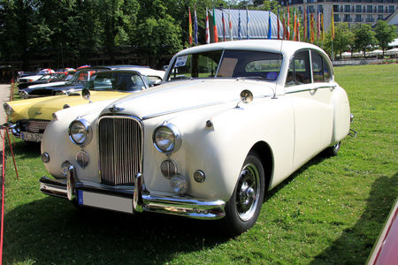 Jaguar_MK7_M_saloon_de_1957__34_me_Internationales_Oldtimer_meeting_de_Baden_Baden__01