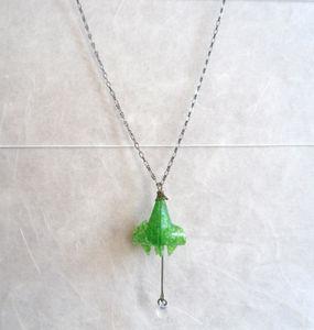sautoir lys vert