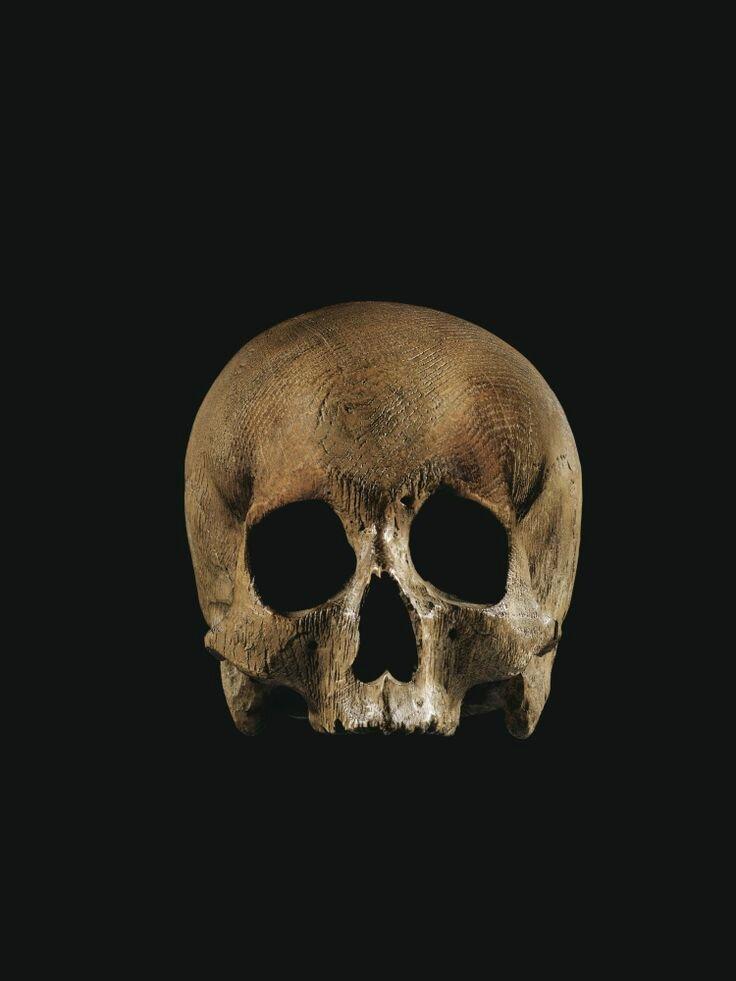 Crâne en bois sculpté, Flandres, XVIIe siècle. Photo Sotheby's