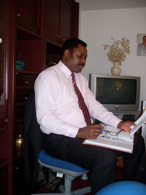 Le président Pontien Kayumba (480x640)