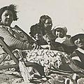 Sur la petite plage : Mamie (Marie Luc) et Tante Lucette sa soeur Tonton Charles ( Charles Minster ) mari de Tante Lucette Janine et Ginette