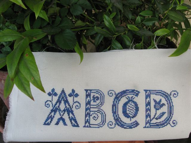 A, B, C, D, par Violette