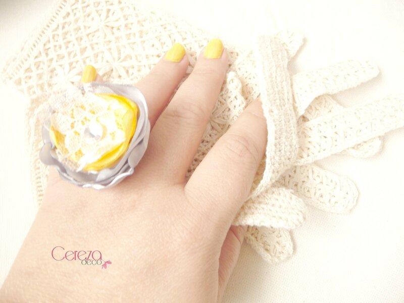 mariage rétro bague bijou fleur dentelle strass jaune gris cereza deco 3