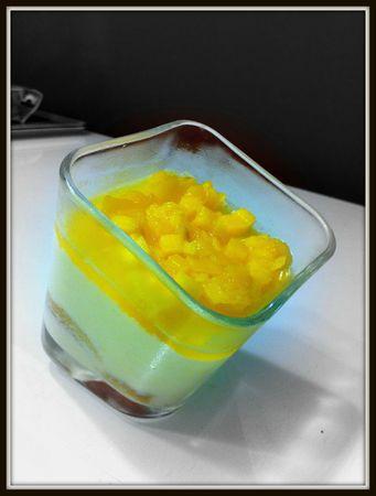 Bavarois citron, gelée d'orange et dés de mangue