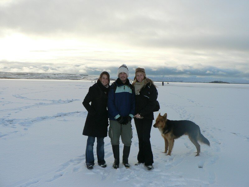 Notre ami canin Diego nous a suivi jusque sur le lac gelé