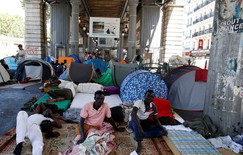 2048x1536-fit_camp-migrants-sous-station-metro-jaures-paris-19-juillet-2016