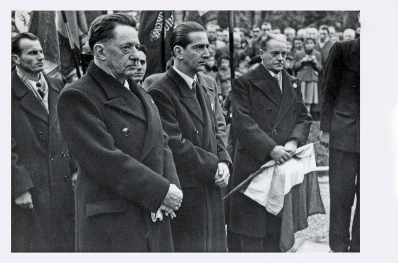 1952 11 11a R