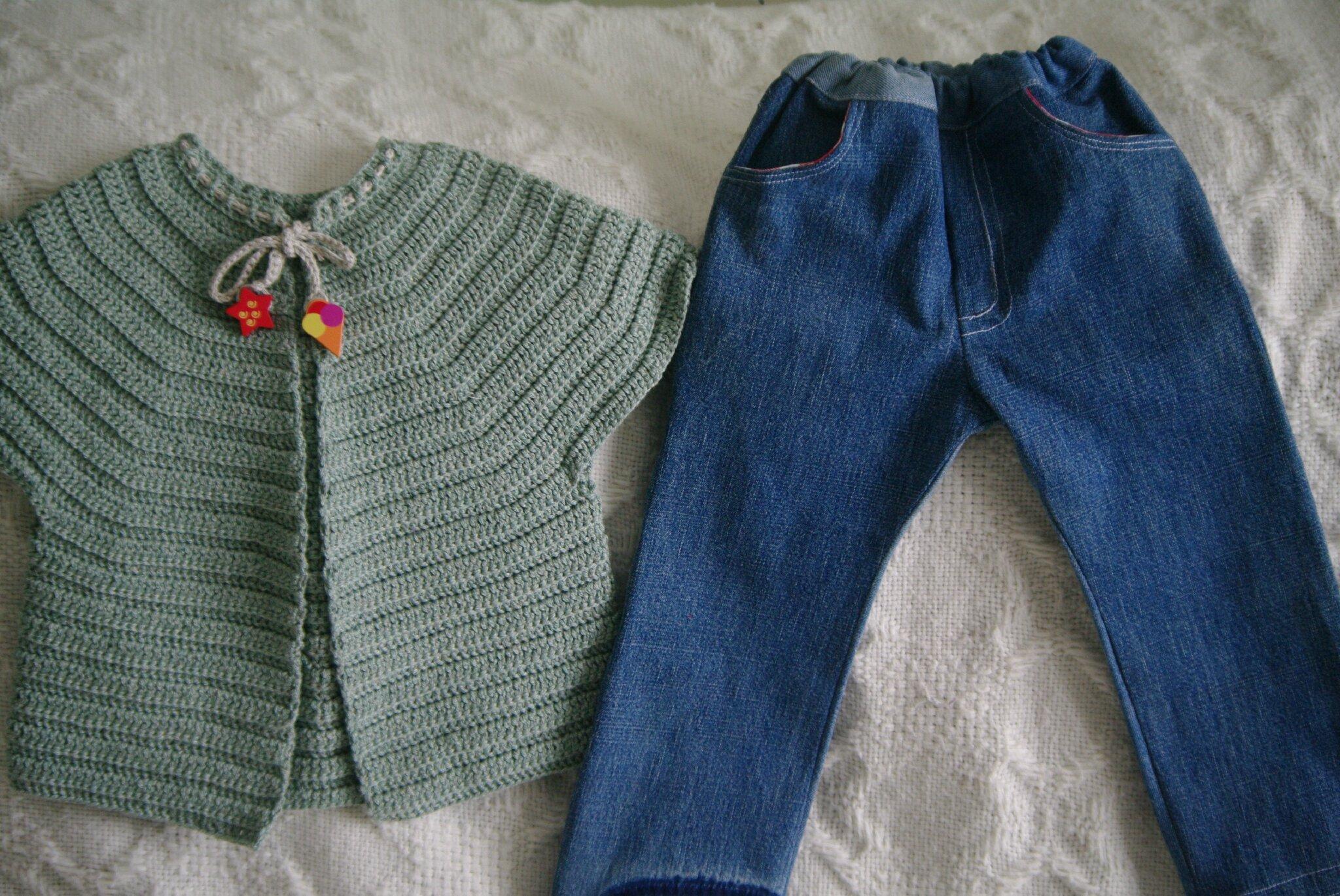 crocheter un gilet top-down et coudre un blue jean