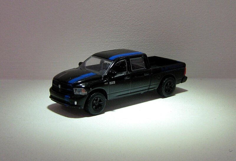 Dodge Ram 1500 Mopar de 2015 (Greenlight) 01