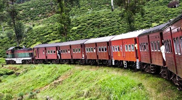train-in-sri-lanka