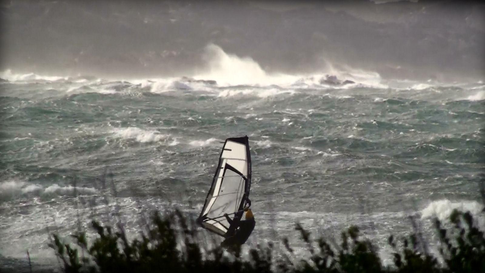 Violente Tempête, les ailes du vent ... Sud Corse automnal !