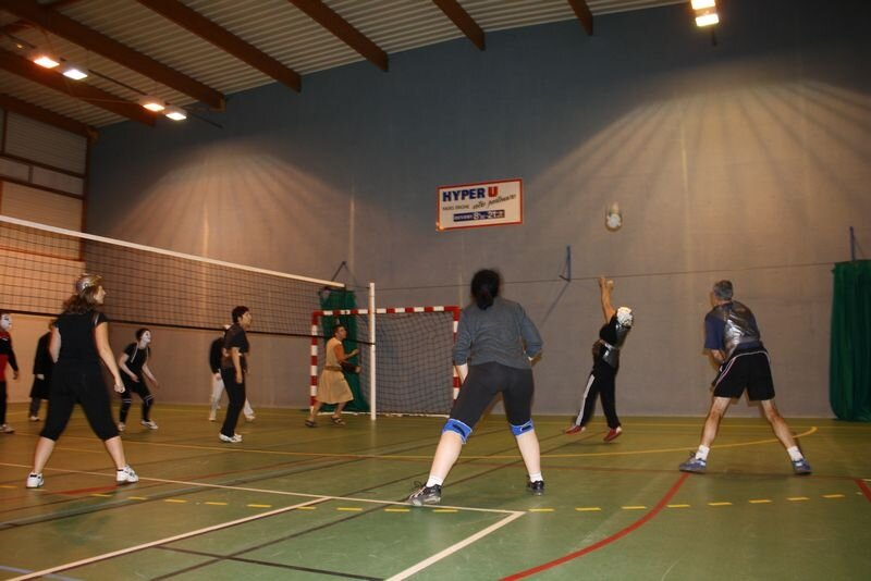 2009-12-10_volley_deguise_murs_IMG_4531