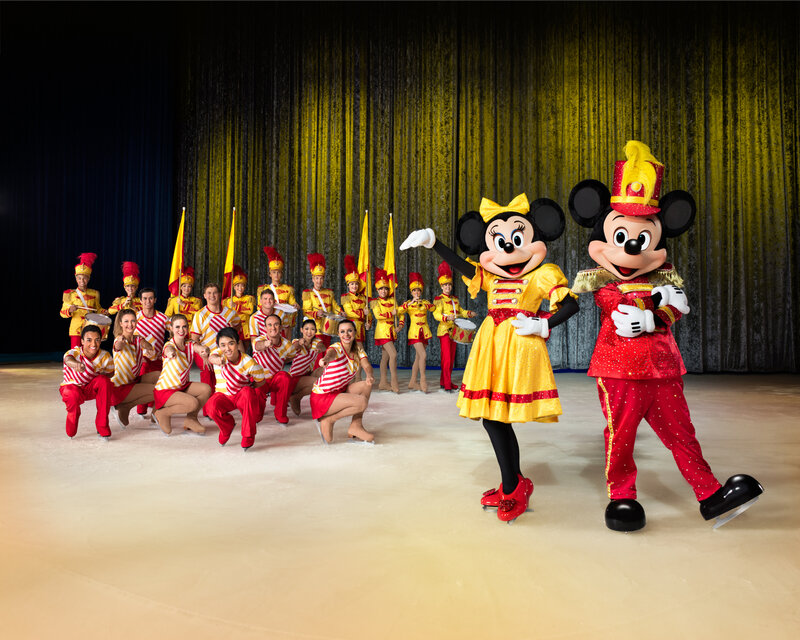 D20B_Mickey&Minnie copyright ©Feld Entertainment (1)
