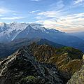 Lever de soleil sur le Mont Blanc à la pointe noire de Pormenaz