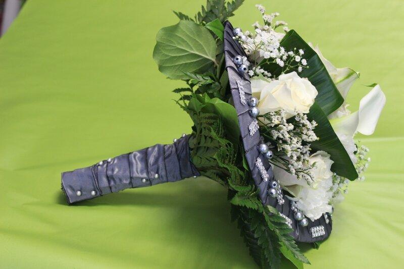 bouquet mariée gris et blanc (6)