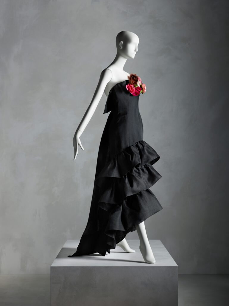 Crisobal Balenciaga, Evening Dress (Summer 1961). Image courtesy of The Metropolitan Museum of Art, Photo: Nicholas Alan Cope. ------WebKitFormBoundaryDv5EaCGsnEGyX3k7 Content-Disposition: form-data; name=