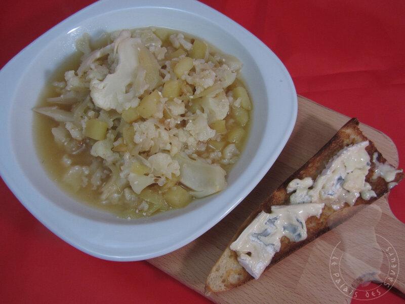 Soupe chou-fleur pomme de terre et Bleu