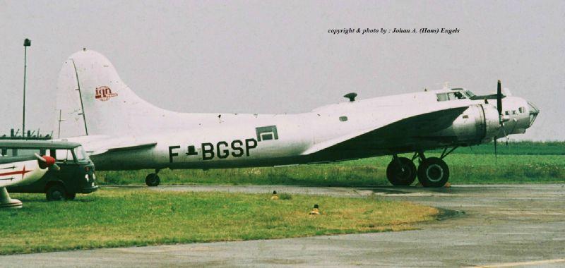 boeing-b-17-f-bgsp-werd-f-azdx-florennes-21-6-1975-j-a-engels