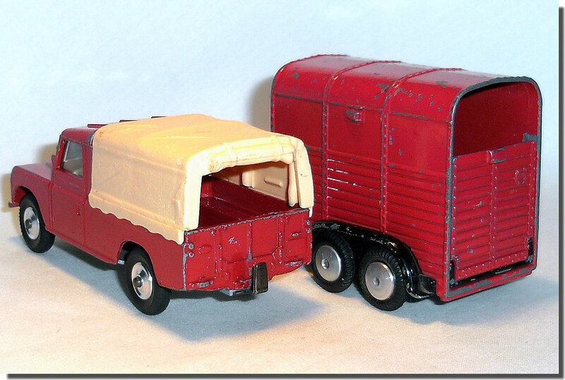 Corgi Toys #102 Pony Trailer Red Black Version 1 K