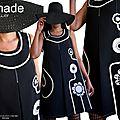 MOD 474A Robe Trapèze noire blanche fleurie Seventies créateur